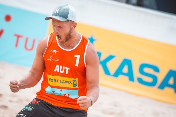 "14.06.2018, Strandbad Baden, Baden, AUT, FIVB World Tour Baden Open // during FIVB World Tour Baden Open at the ""Strandbad"" in Baden, Austria on 2018/06/14. EXPA Pictures © 2018, PhotoCredit: EXPA/ Florian Schroetter"